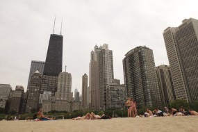Your Guide to Beaching in Chicago: North Avenue Beach