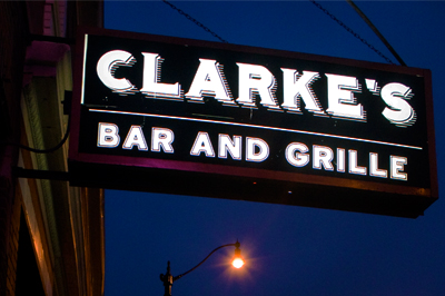clarke's bar and grille chicago